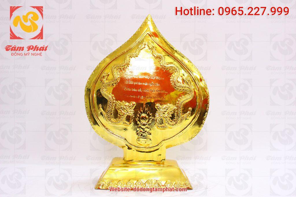 Mặt sau tượng đồng lá đề phật hoàng Trần Nhân Tông