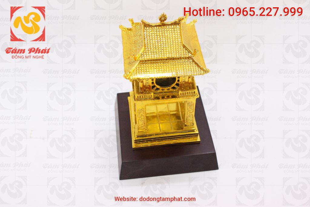 Tổng hợp 6 mẫu quà tặng bằng đồng mạ vàng