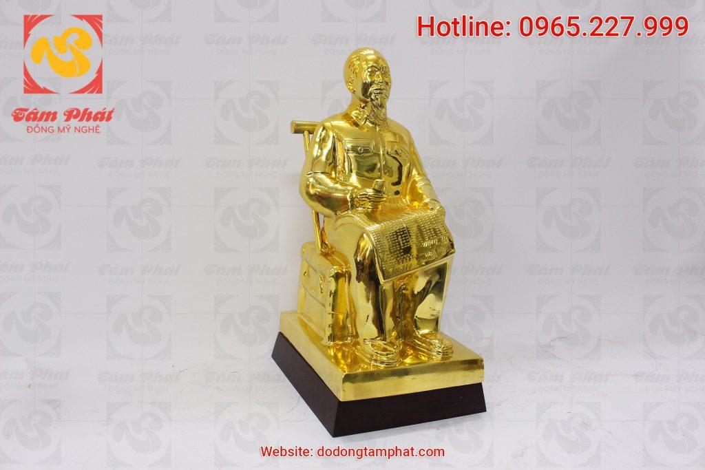Tượng Bác Hồ ngồi đọc báo nhân dân xã luận cao 42 cm
