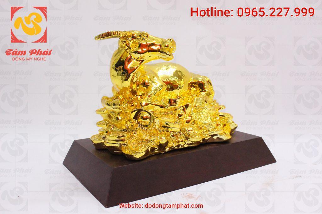 Trâu đồng phong thủy mạ vàng dài 30cm