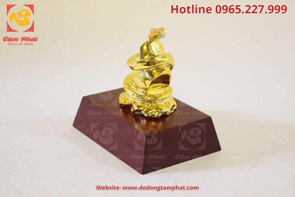 Tượng Rắn tài lộc mạ vàng 24k