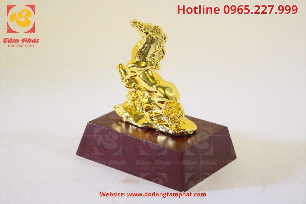 Tượng ngựa phong thủy mạ vàng 24k