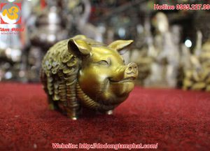 tuong-heo-phong-thuy-con-tien-vang(5)