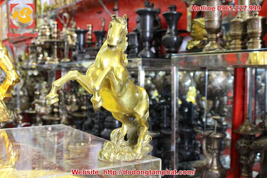 Tượng ngựa phong thủy bằng đồng
