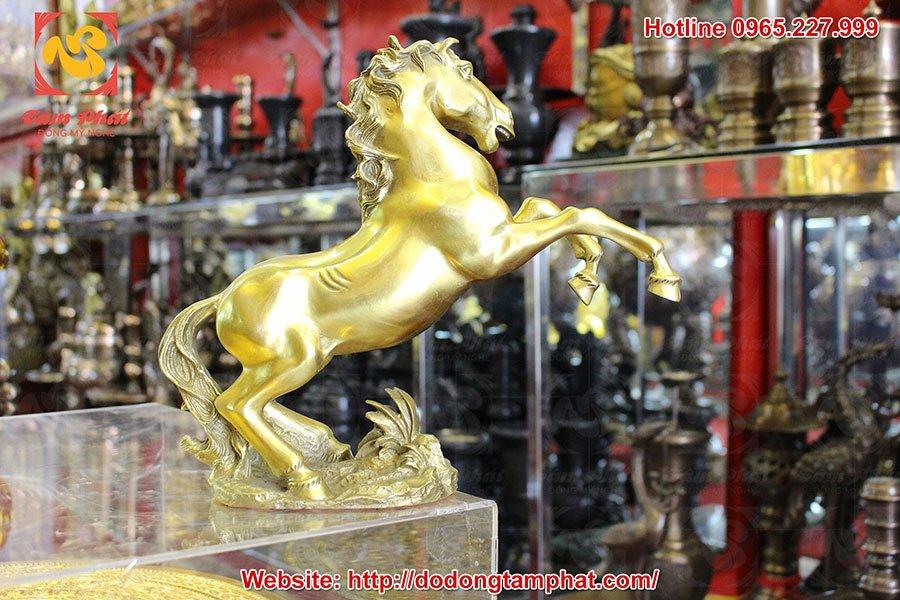 Tượng ngựa phong thủy bằng đồng mạ vàng 24k