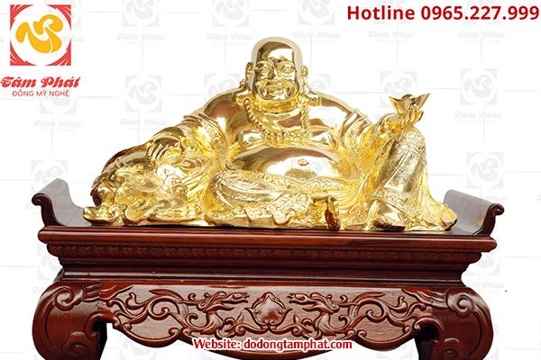 Tượng Phật bằng đồng linh thiêng, độc đáo