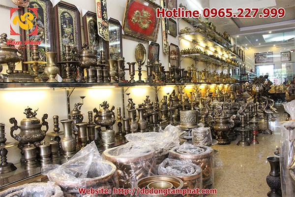 Cơ sở đúc đồng Tâm Phát chuyên sản xuất tranh đồng, tranh đồng mạ vàng, tượng truyền thần và các vật thờ cúng bằng đồng