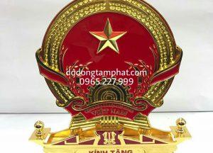 Quoc-huy-Viet-Nam-ma-vang-24K-1