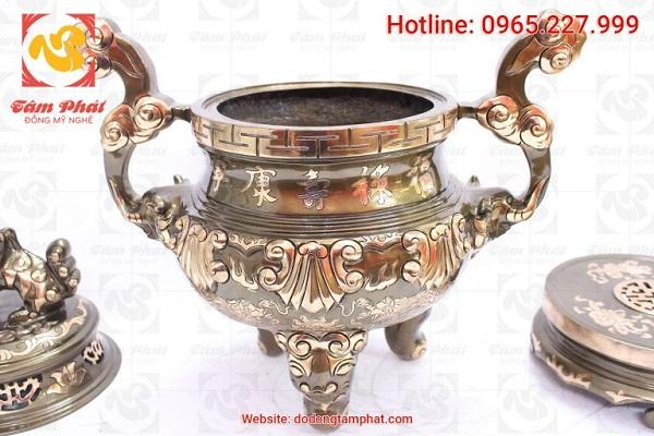 Lư hương thờ bằng đồng đặc điểm và quy trình sản xuất thủ công tinh xảo
