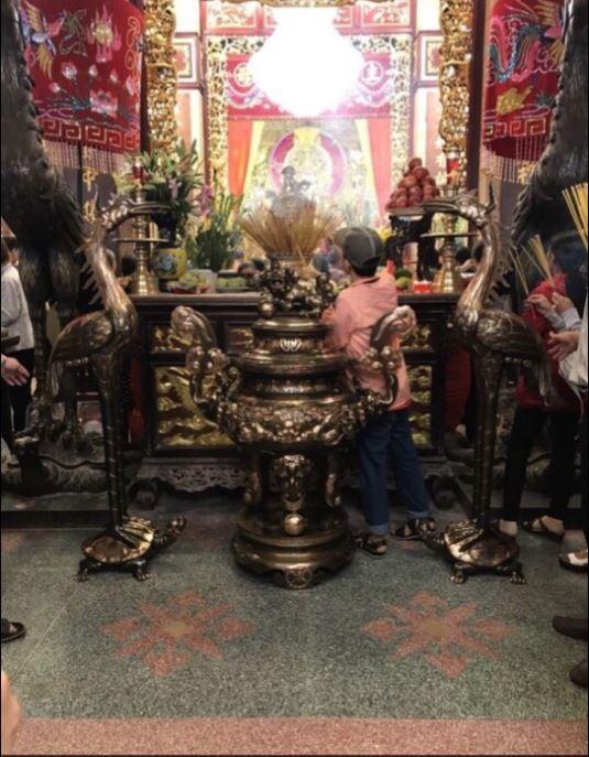 Quả đỉnh 1m5 và đôi hạc 1m7 đã an vị tại đền bà Châu Đốc – An Giang
