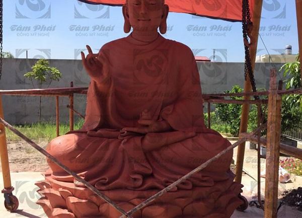 Tượng Phật Thích Ca bằng đồng - Toả ánh hào quang của Phật pháp nhiệm màu