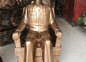tượng đồng bác hồ ngồi ghế cao 90 cm