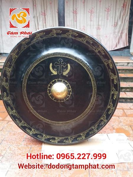 chiêng đồng chữ thập giả cổ 60 cm