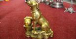 Tượng đồng lại được mạ vàng – vừa làm quà biếu vừa sang cửa nhà