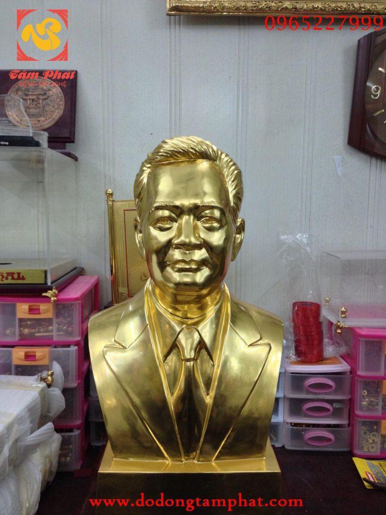 Tượng chân dung bằng đồng mạ vàng 24K sang trọng