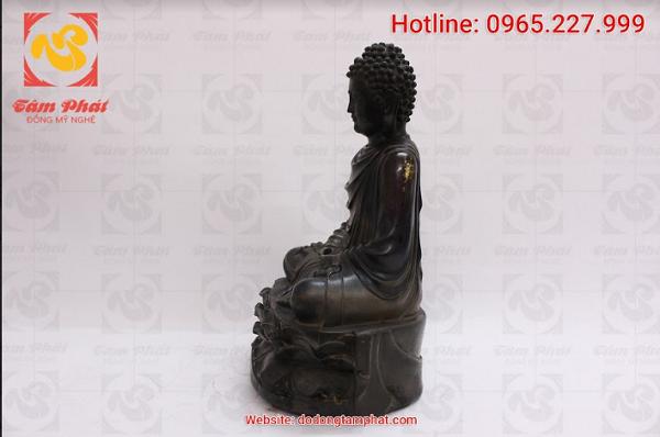 Tượng Phật Thích Ca bằng đồng hun đen giả cổ, cao 30cm