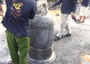 Đúc chuông chùa nặng 200kg, âm thanh trong và vang xa