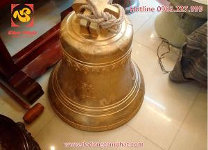 Đúc chuông đồng vàng nặng 100kg sản phẩm đúc sẵn có tại xưởng