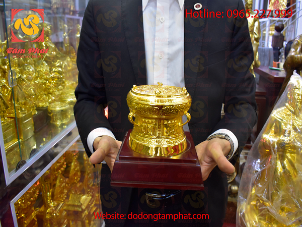 Quả trống đồng mạ vàng – Món quà biếu tặng, trưng bày ý nghĩa