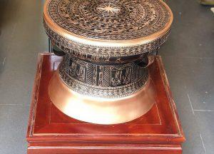 Trống đồng quà tặng đường kính 30cm, sắc thái cổ điển
