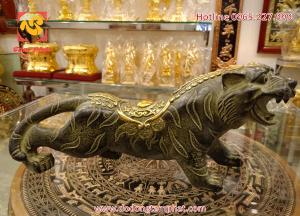 Tượng hổ đồng để bàn dài 16cm với màu sắc đẹp mắt, ấn tượng