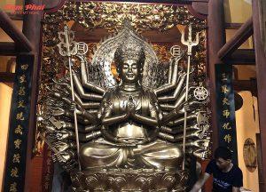 Tượng Phật Thiên Thủ Thiên Nhãn bằng đồng hun giả cổ