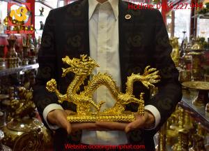 Tượng rồng bay mạ vàng - linh vật phong thủy đặc sắc