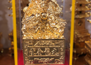 Ấn Rồng phong thủy thếp vàng 9999 sang trọng, đẹp mắt