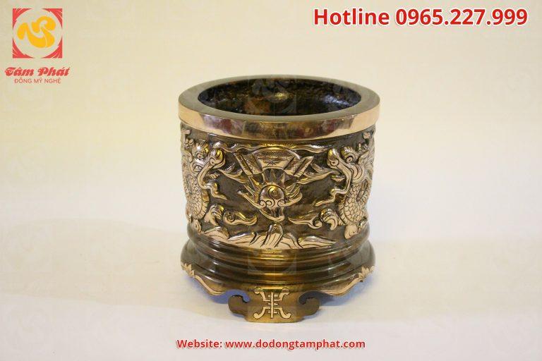 rồng là một hình tượng có vị trí đặc biệt trong văn hóa, tín ngưỡng của dân tộc Việt Nam, mang nhiều ý nghĩa đặc biệt trong thờ cúng