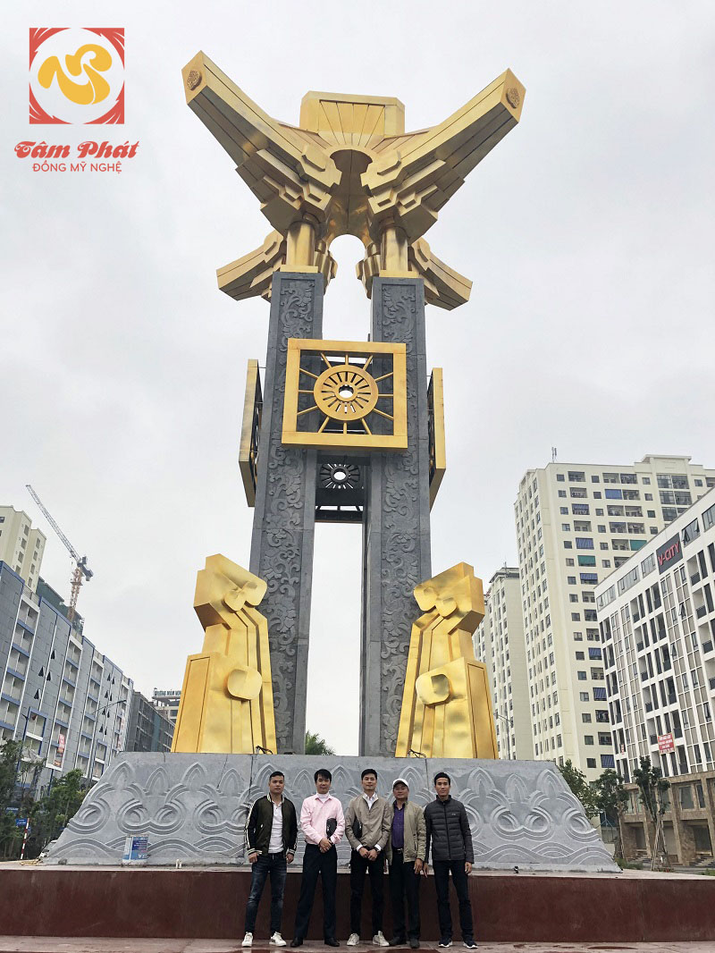 Tượng Đài Mạ Vàng là niềm vinh dự và tự hào của người dân Bắc Ninh