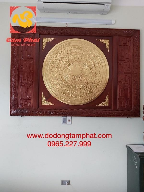 mat-trong-dong-dong-sơn-dat-vang-9999-khung-go-3
