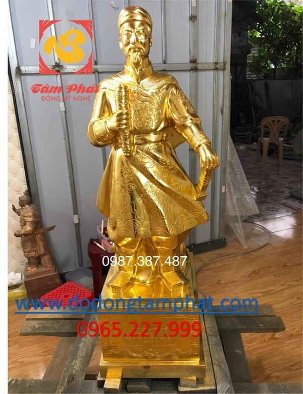 tuong-dong-hung-dao-vuong-thep-vang-mau-chuan-cao-90cm-tai-xuong-1