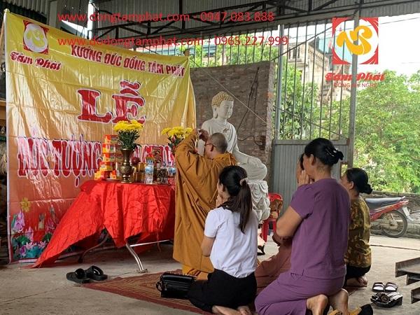 Nghi thức đúc tượng Phật Bổn Sư Thích Ca tại xưởng
