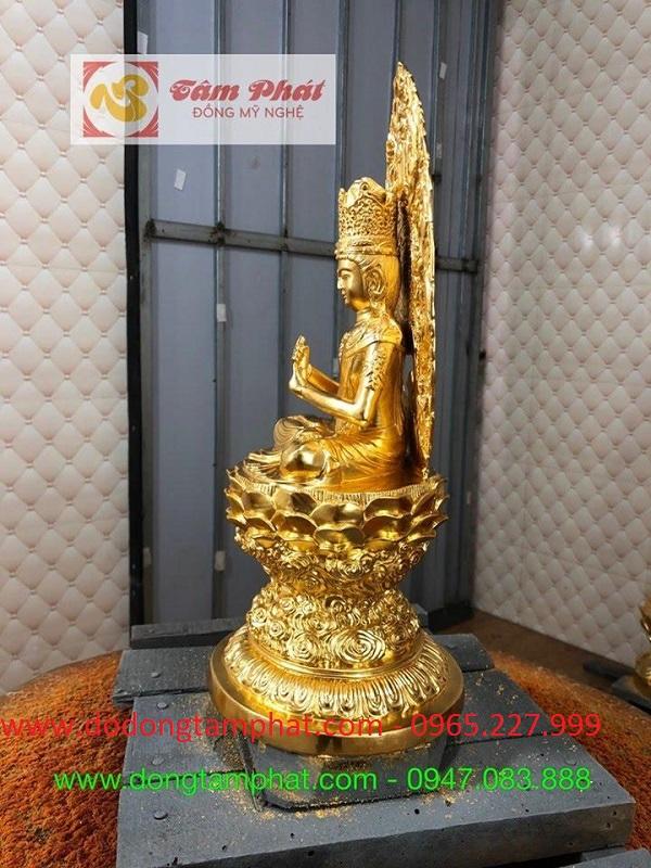 Tượng Bồ Tát Quan Thế Âm trên tòa sen dát vàng 9999