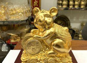 Tượng chuột phong thủy ôm tiền xu tài lộc may mắn