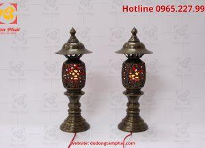 Đôi đèn thờ màu xanh, đèn hình quả dứa, cao 60cm (4)