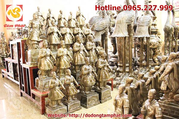 Tượng đồng Trần Hưng Đạo được chế tác công phu bởi những nghệ nhân của Đồng Tâm Phát.