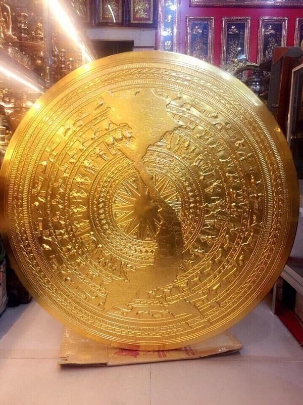 Mặt trống đồng đường kính 80cm mạ vàng, in bản đồ Việt Nam