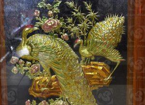 Tranh chim công hoa mẫu đơn bằng đồng tinh xảo