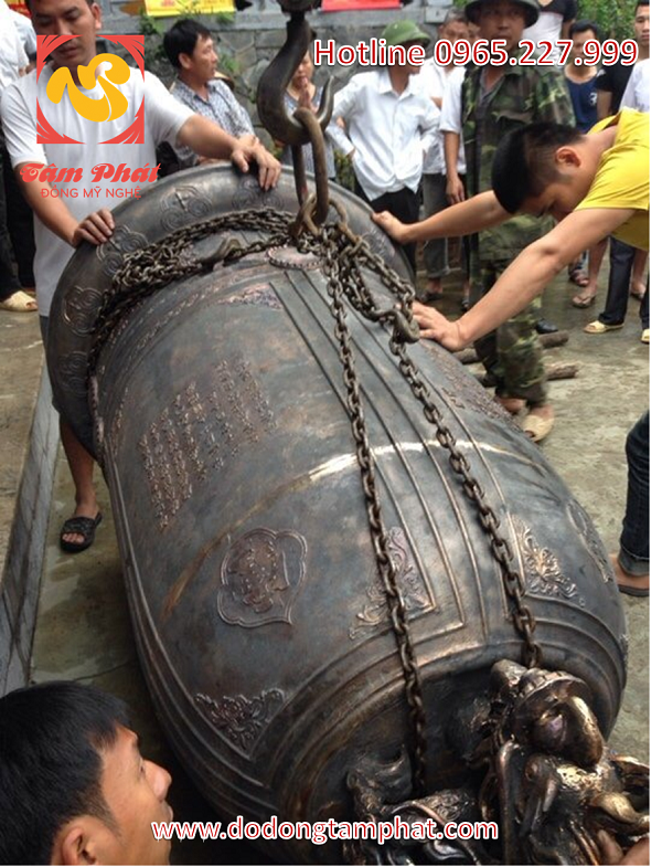 Chuông đồng Đại Hồng nặng 500kg hun đen giả cổ đúc trực tiếp tại đình chùa