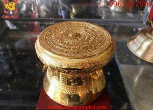 Trống đồng thếp vàng 9999, chạm khắc hoa văn tinh xảo