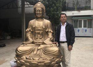 Tượng Phật A Di Đà cao 2m, đúc từ đồng vàng