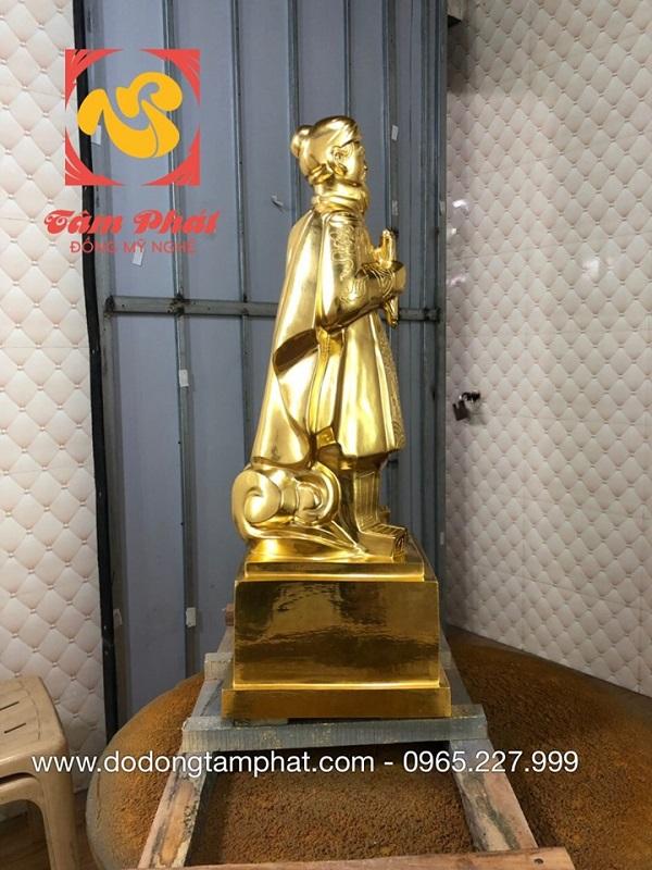tuong-duc-thanh-tran-hung-dao-dat-vang-9999-3