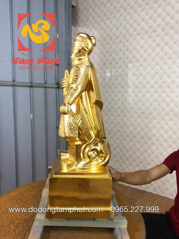 tuong-duc-thanh-tran-hung-dao-dat-vang-9999-4