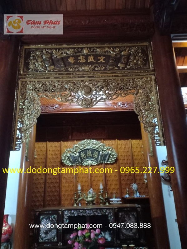 Lắp đặt các bộ cửa võng, cuốn thư cho nhà thờ họ - Cửa Lò Nghệ An