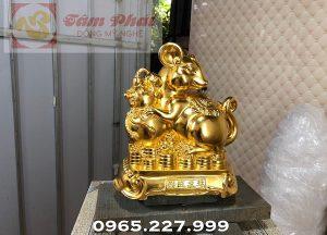 Tượng chuột vàng ôm bình hồ lô tại xưởng