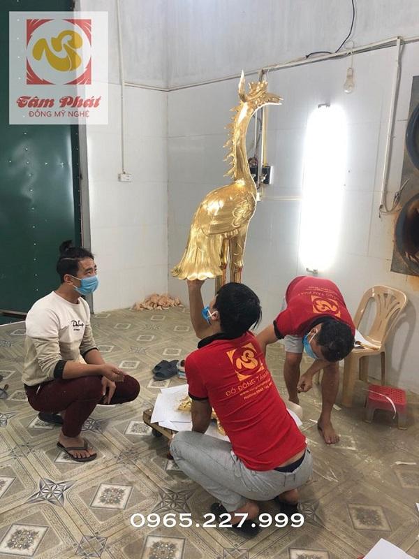 Dát vàng hạc đồng thờ cúng cỡ lớn tại xưởng
