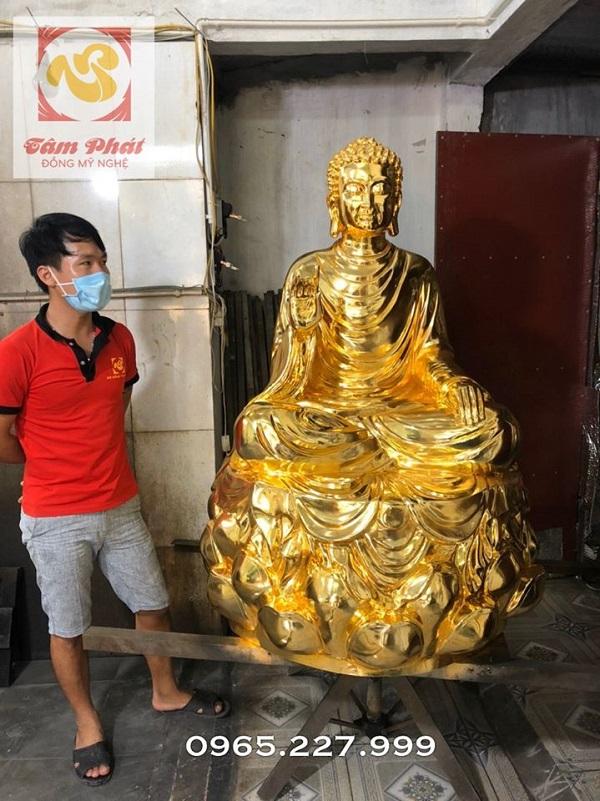 Tượng đồng Đức Phật ngồi tòa sen dát vàng ròng