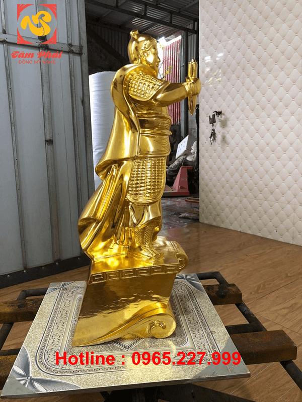 Tượng Trần Hưng Đạo cao 60cm bằng đồng đỏ mạ vàng 24k