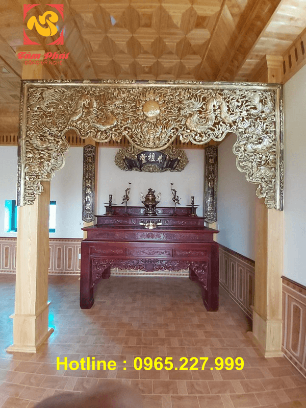 Cửa võng bằng đồng dài 3m hoa văn cổ kính trang nghiêm
